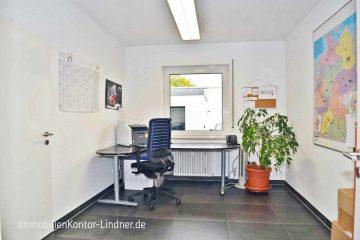 Büro mit Halle und Sozialräumen + Stellplätze – sehr gepflegt!, 89079 Ulm, Bürofläche
